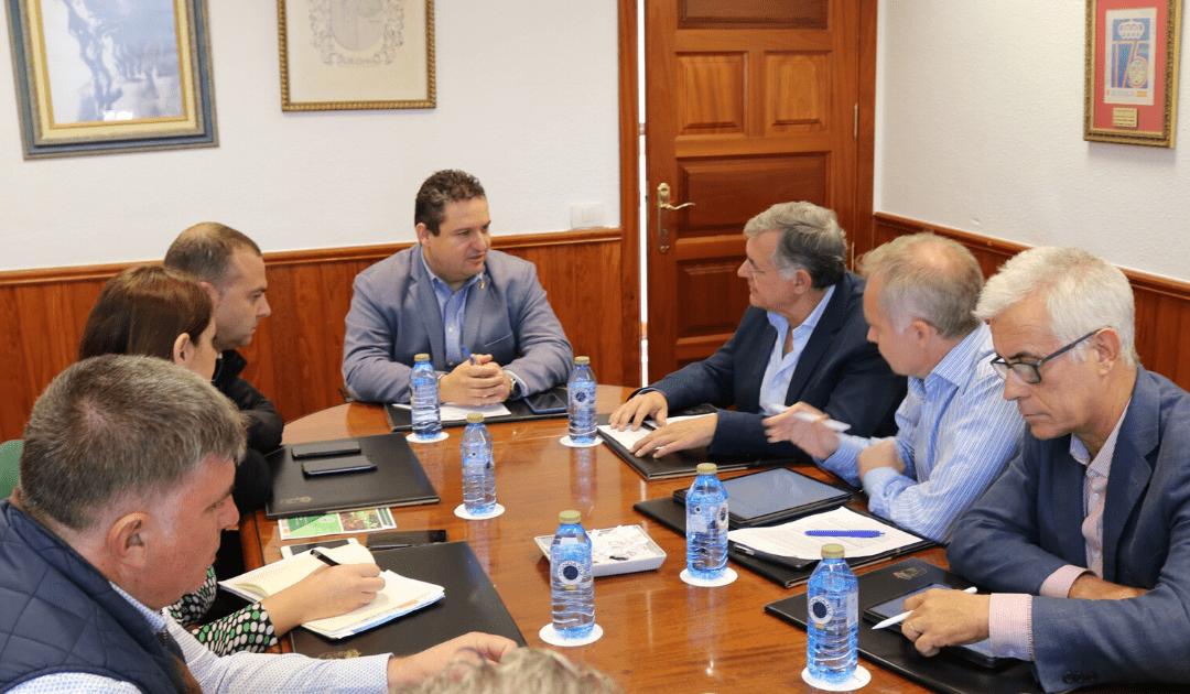 Puertos de Tenerife y Arona crean la primera Comisión Conjunta para coordinar la actividad en el puerto de Los Cristianos