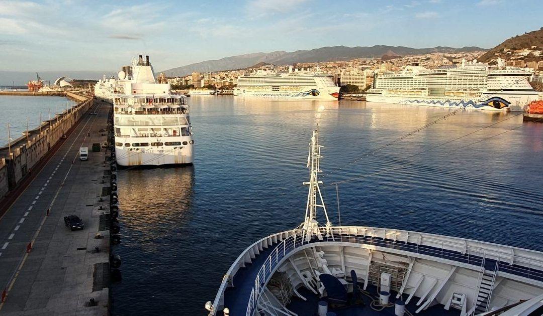 Solo TUI Cruises mantiene escalas en los puertos de la provincia tras la cancelación de las travesías de AIDA