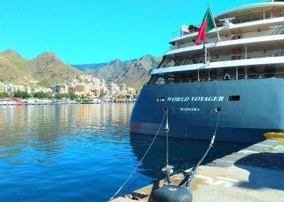 metopa World Voyager en el puerto