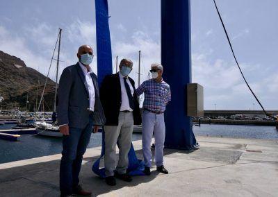 Desde la Izquierda el alcalde de Valverde, presidente Puertos y presidente Cabildo